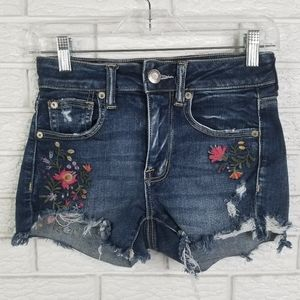 American Eagle Embroidered Hi Rise Shortie 2